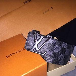 LV belt with damier pattern in BLK